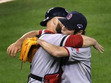 David Ross, left, congratulated closer Koji Uehara after the Red Sox closed out a win in Game 5.